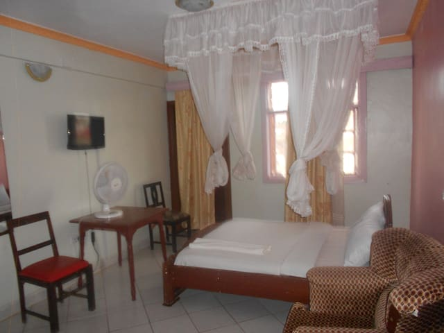 Riversand Hotel Single,Double,Twin & Tripple rooms