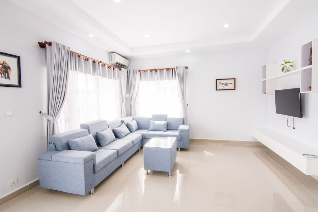Nice modern comfortable couch and Plasma flat TV screen with Cable TV Chanel's from 2nd Living room.