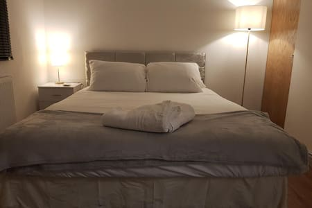 Beautiful Apartment near it all with free wifi