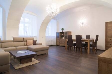 Elegant apartment at top location