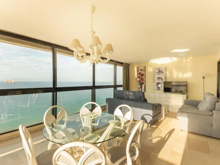 Levante Benidorm beachfront apartment (3 bedroom)