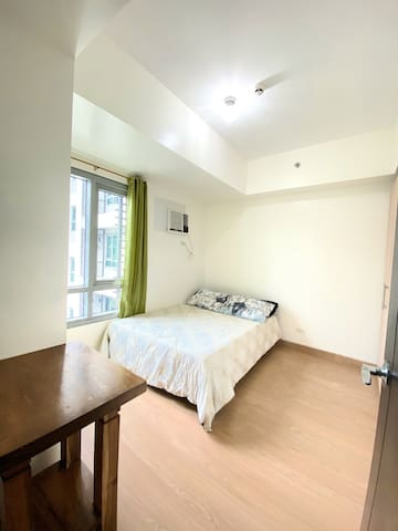 Newly Furnished 1BR Condo Unit for Rent!