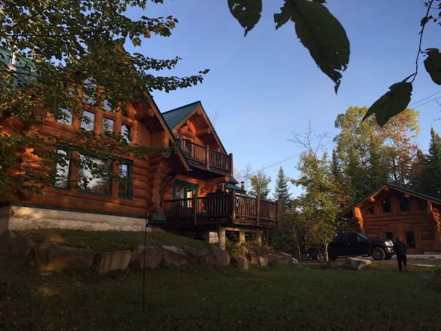 Chalet du Bois Scandinavian hand crafted log home