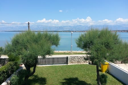 Beach house with 2 separate apartments,Nin,Croatia - Nin - 独立屋