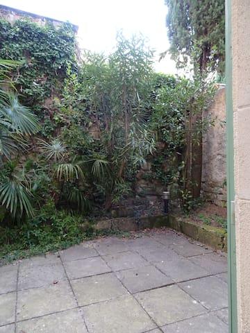 Sigalon garden/terrace studio