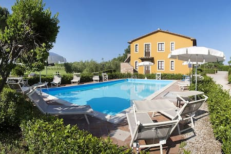 apartment for 4+2 persons in Donoratico R81408