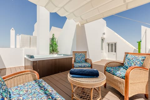 Villa w/ pool and rooftop seaview jacuzzi in Lota