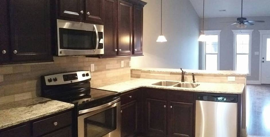 Corporate Housing 2 Bedroom/2 Bath Townhome