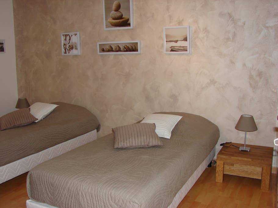 Chambre 2 avec lits simples 90*190