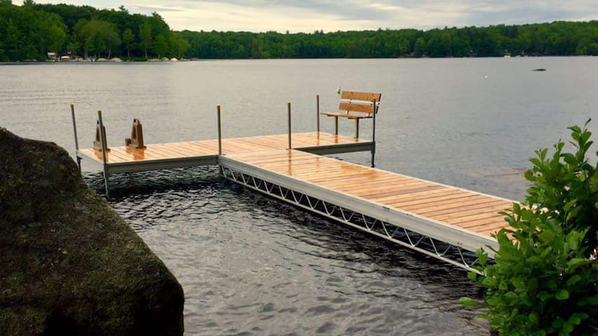 Beautiful Cottage w/Private Dock on Kennebunk Pond