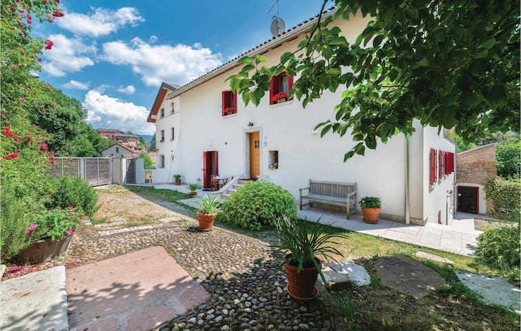 Holiday apartment with 1 bedroom on 43m² in Belluno -BL-