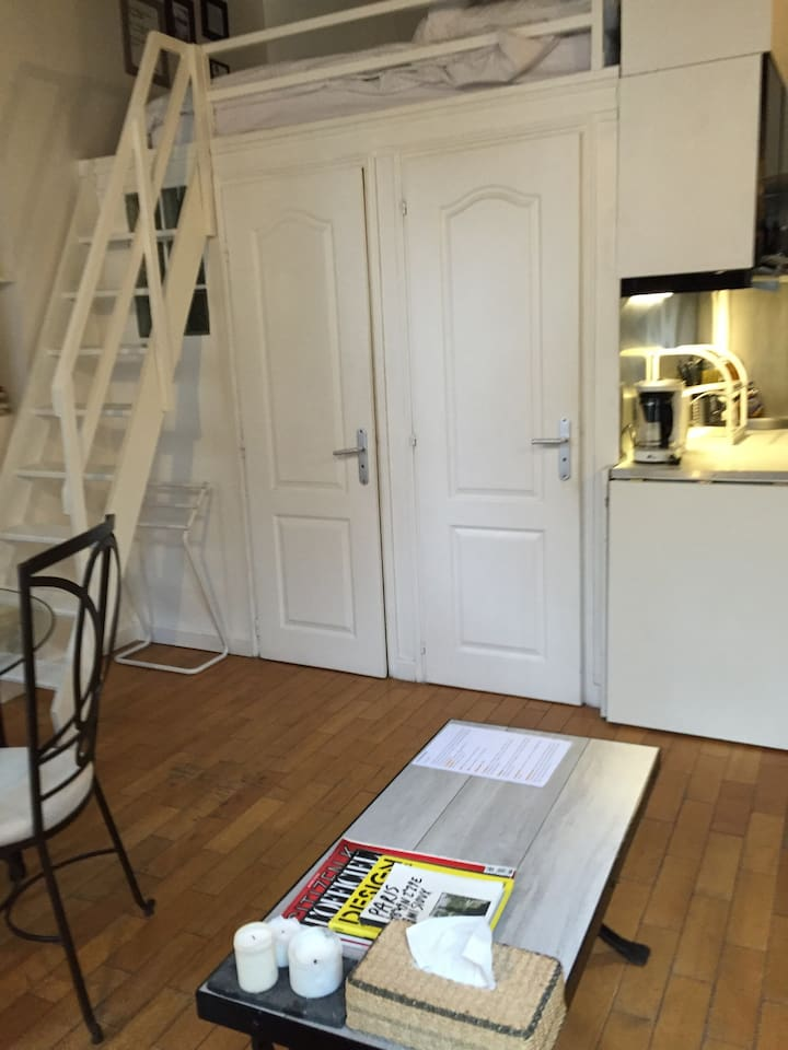 Cosy Apartment in Rue des Rosiers