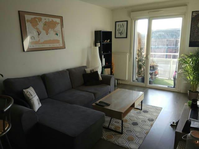 Appartement spacieux avec balcon proche centre
