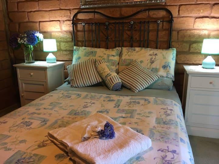 Lavender Refuge, Private ensuite double bedroom.