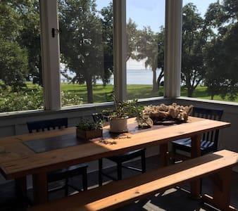 Modern 3 bd Bay view Cottage w Pool - Bay Saint Louis