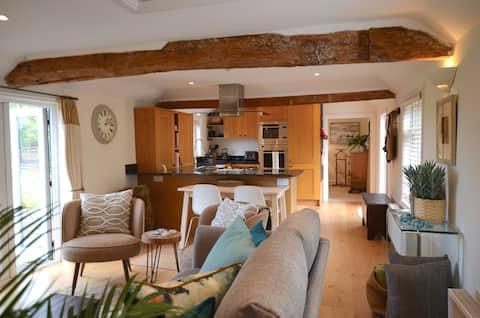 Unique Cottage, Beautiful Views, Ascot, Windsor