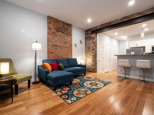 Beautiful Rooftop Condo, Heart of Downtown OTR #2