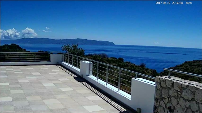 M&T  SEA VIEW VILLA  360
