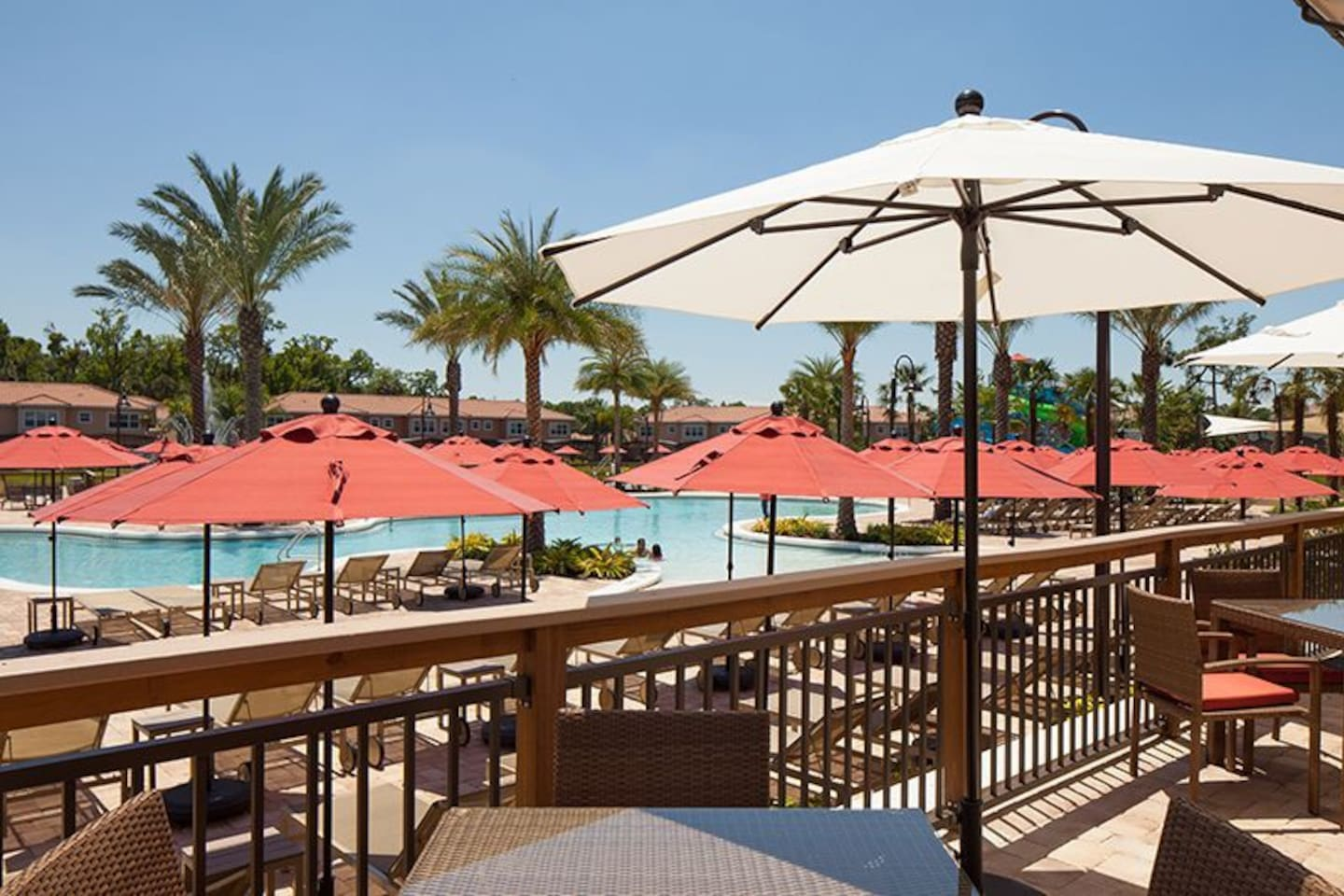 Regal-Oaks-Resort-Clubhouse-Seating-Area-2