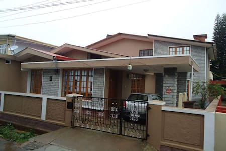 Coorg JK STAY  HOME STAY - Madikeri - Townhouse