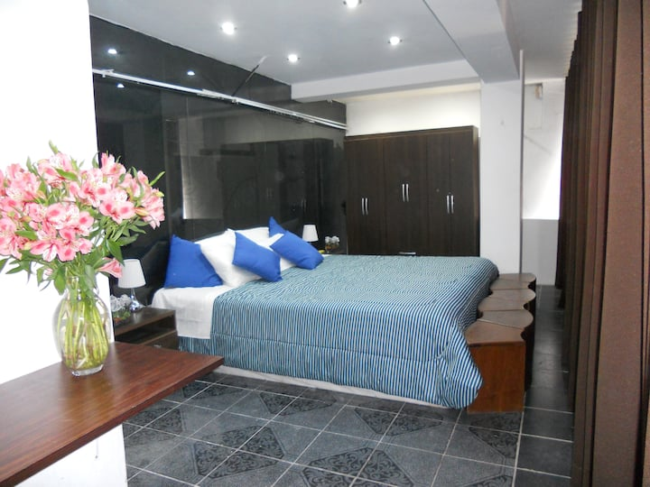 Nice private small apartment ( King size bedroom )