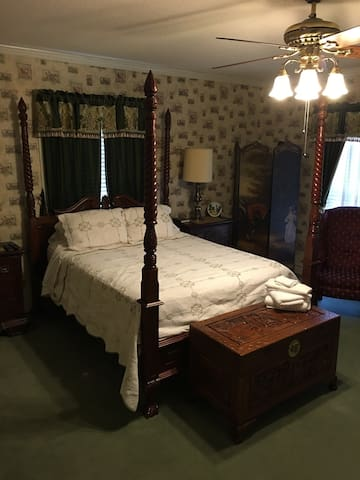 Commodore Bed&Breakfast/Green Room - Bainbridge - Гестхаус