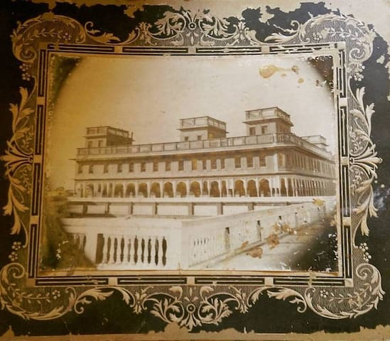 Parasrampuria Heritage Haveli (Luxury Suite)