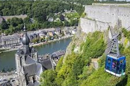 House on the water in Dinant - Dinant - House