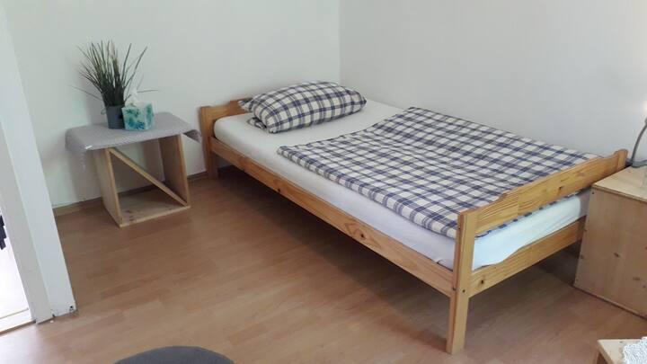 Standard Einzelzimmer mit Etagendusche