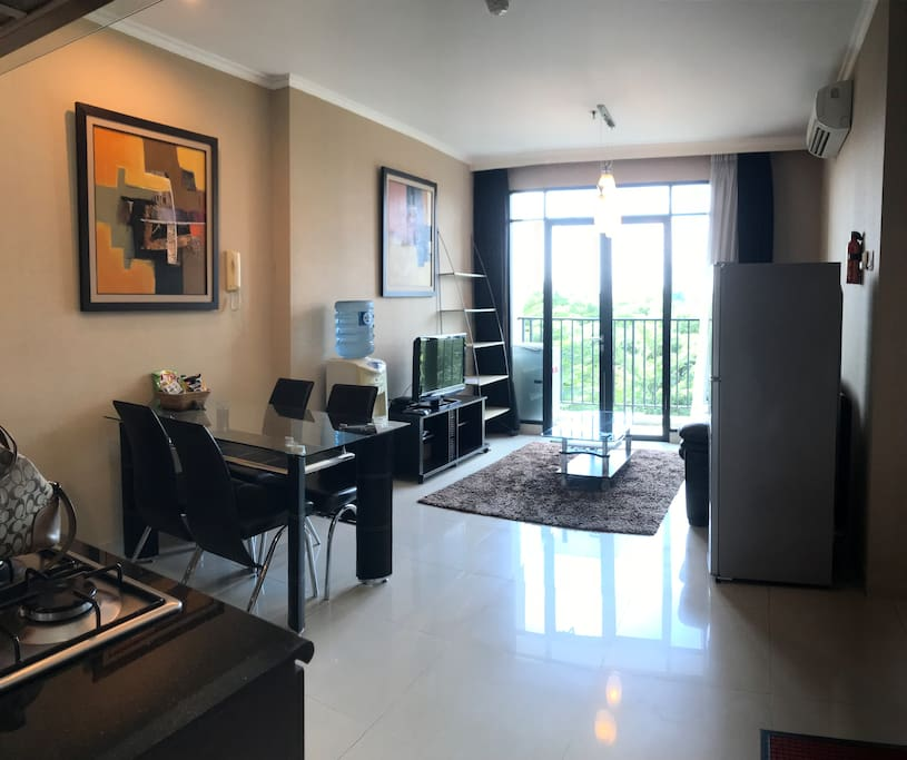 Spacious 2 bedrooms apartment fully equiped wih fridge, mineral water tank and gallon, stove, kitchen appliances and washer