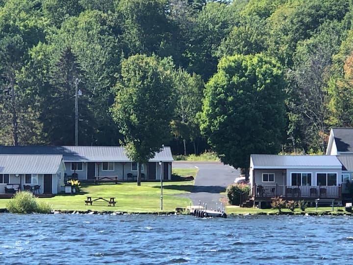 Portage Lake Cabins - Cabin 1