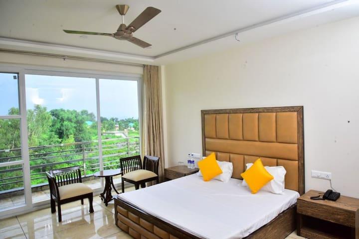 Serene Suites Bedroom 4