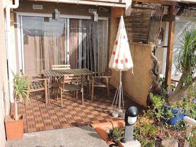 Studio avec terrasse Hyeres Mont des oiseaux - Hyères - Apartemen