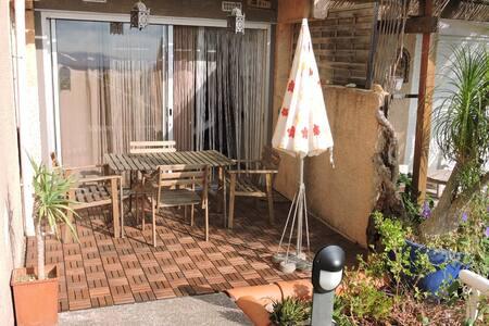 Studio avec terrasse Hyeres Mont des oiseaux - Hyères