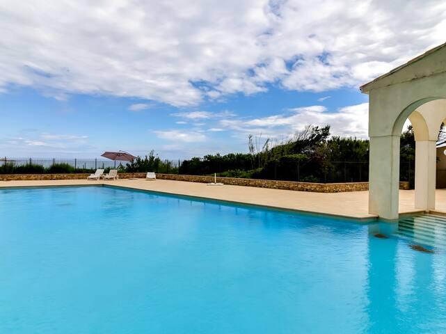 Agréable villa dans domaine en bord de plage - Saint-Tropez - Villa