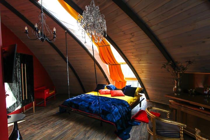 Dali room in domehouse