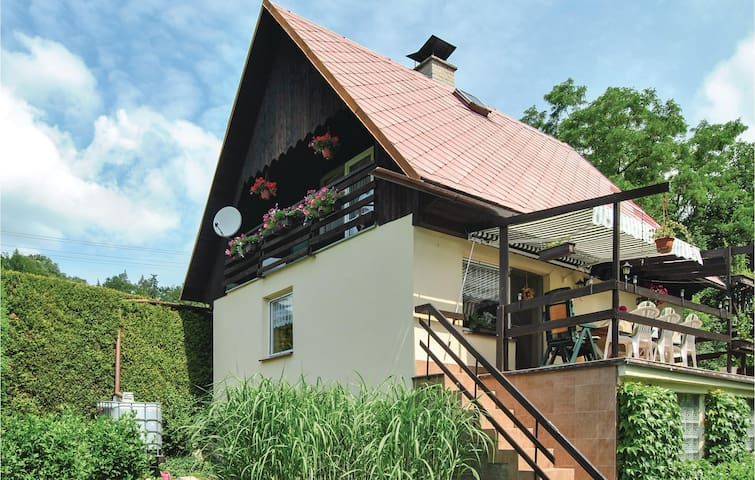 Holiday cottage with 2 bedrooms on 100m² in Stary Maletin