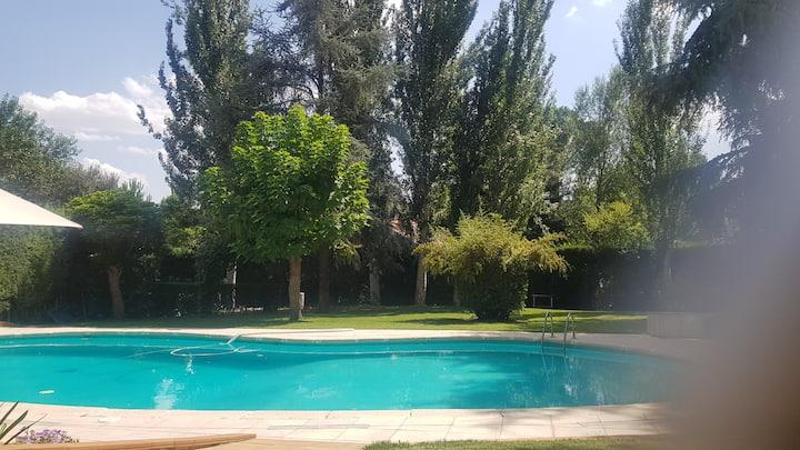 Precioso chalet jardin y piscina, Madrid norte