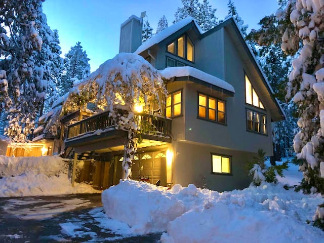 Sierra Villa Ski Haus and Adventure Retreat