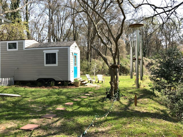 EAV Hipster Tiny House - Atlanta - Cabin