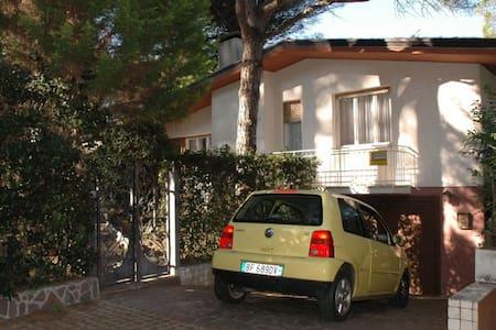 Villa Moliere - single house with fenced garden - Lignano Sabbiadoro - 別荘