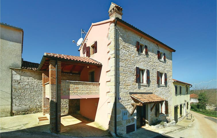 Semi-Detached with 2 bedrooms on 93 m² in Ritosin Brig