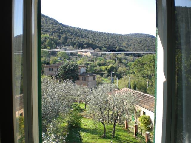 Casa in campagna ad Ancaiano, Siena