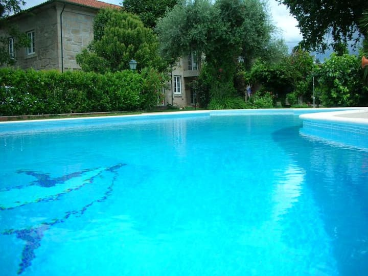 Villa with 4 bedrooms in Pedraça, with wonderful mountain view, private pool, enclosed garden - 90 km from the beach
