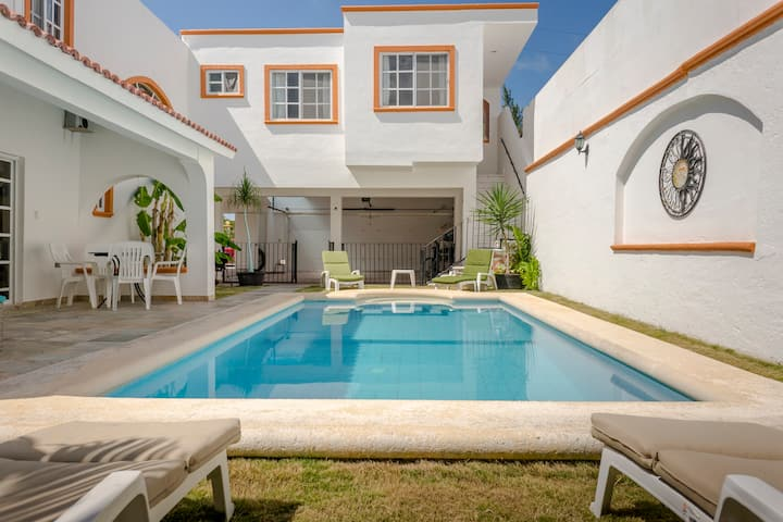 Puerto Juarez 4 Bedroom House Private Pool