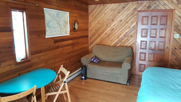 Private Cedar Ski Chalet style suite!Top Reviews!!