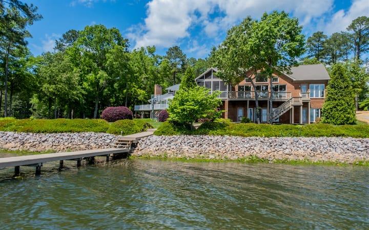 Grandview Lodge | Spacious House on Big Water!
