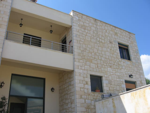 The apartment is built with stone. 48 square m. - Chania - Apartmen