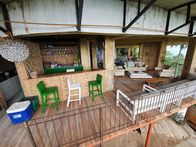 Cabanas Busay Party pad with bar tender