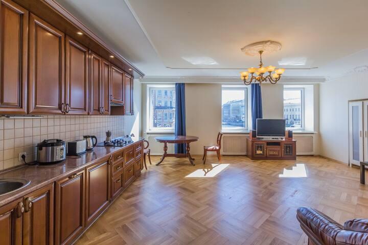 Cozy apartment on Fontanka river